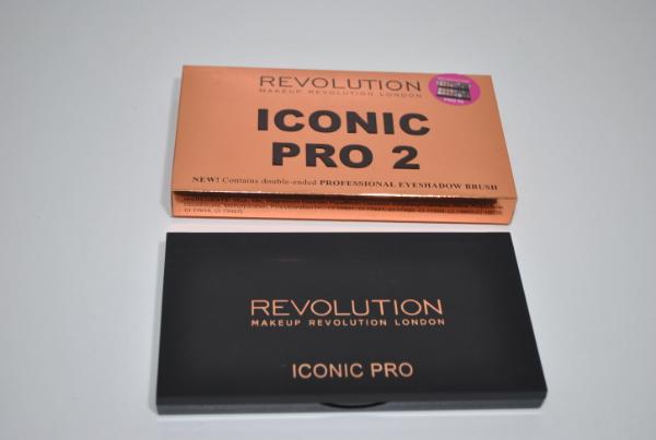 Набор тени Revolution Iconic Pro 2 16цв.
