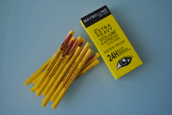 Подводка фломастер Maybelline The Extra Heavy Volum Express